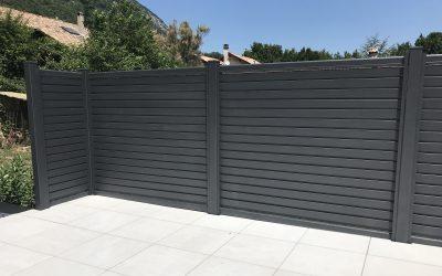 Découvrez notre nouvelle réalisation de clôture aluminium